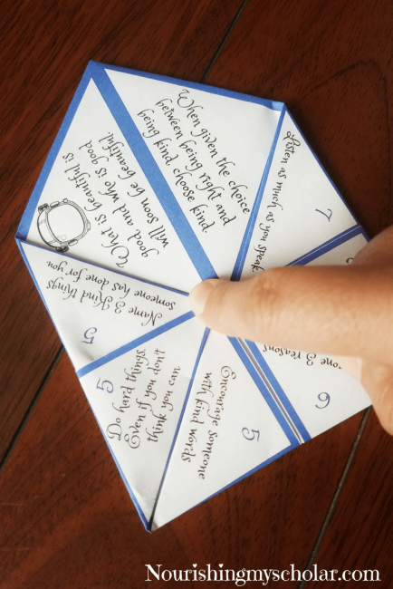 Choose Kindness: Wonder Book Cootie Catcher